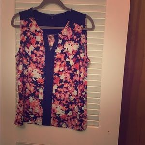 Loose flower tank top with gold V embellishment